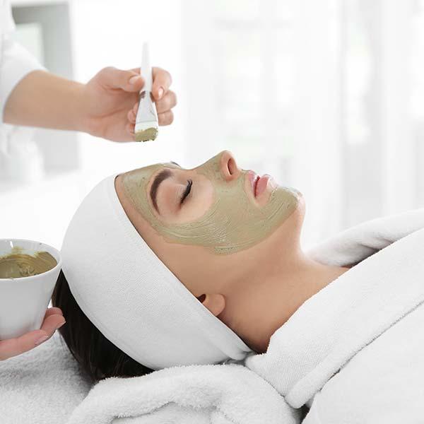 Ayurveda Kosmetik im European Ayurveda Resort Mandira